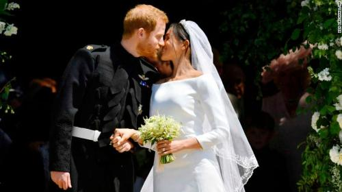 180519131612-50-royal-wedding-kiss-exlarge-169